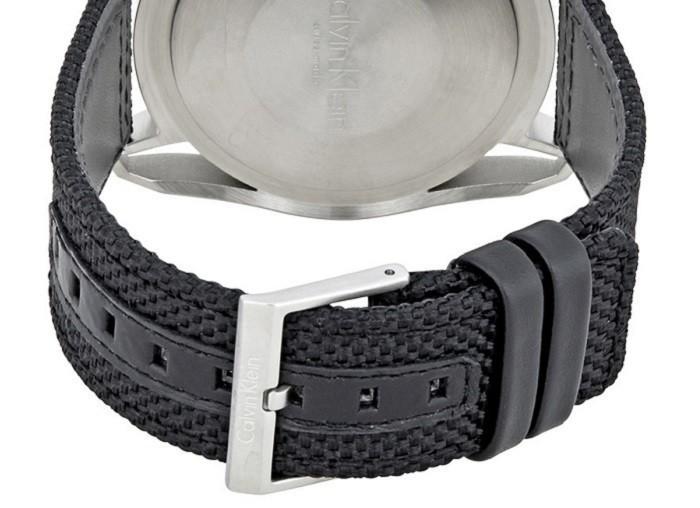 Review đồng hồ Calvin Klein K5Y31TB1: Năng động và mạnh mẽ - Ảnh 3