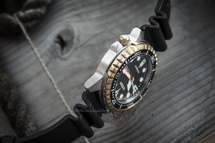 Đồng hồ Citizen NH8384-14E viền ngoài khía cạnh nam tính- Ảnh 4