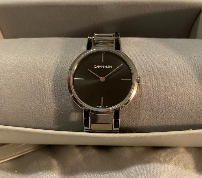 Review đồng hồ Calvin Klein K8NX3UB1: Sắc đen quyến rũ bí ẩn -Ảnh 1