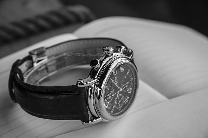 Review đồng hồ Doxa 895.10.102.01: cỗ máy vượt thời gian - Ảnh 3