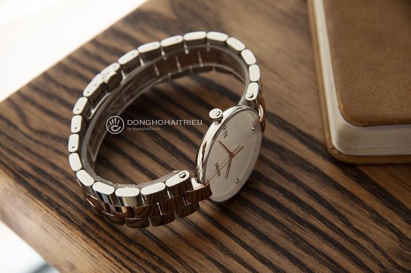 Đồng hồ Rado R48872723: Bốn cọc số đính kim cương đắt giá - Ảnh 3