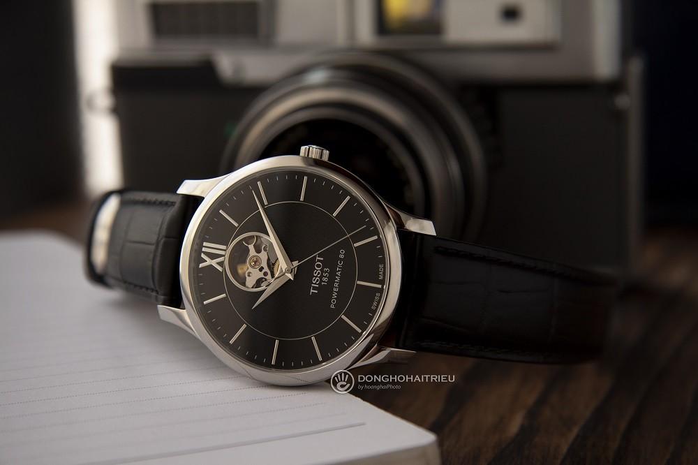 thay kính sapphire cho đồng hồ