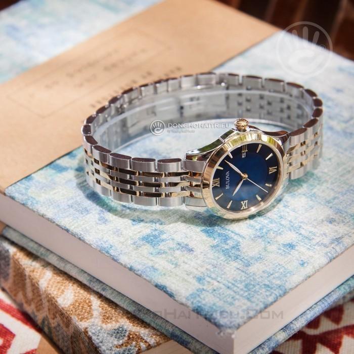 Review đồng hồ Bulova 98M124: mặt số gam màu xanh độc đáo 3