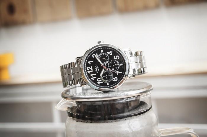 Đồng hồ Casio MTP-E309D-1AVDF: Chronograph thể thao độc đáo-1