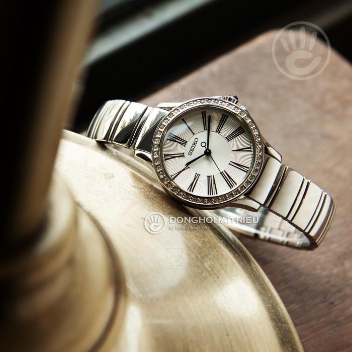 Đồng hồ Seiko SRZ441P1 4