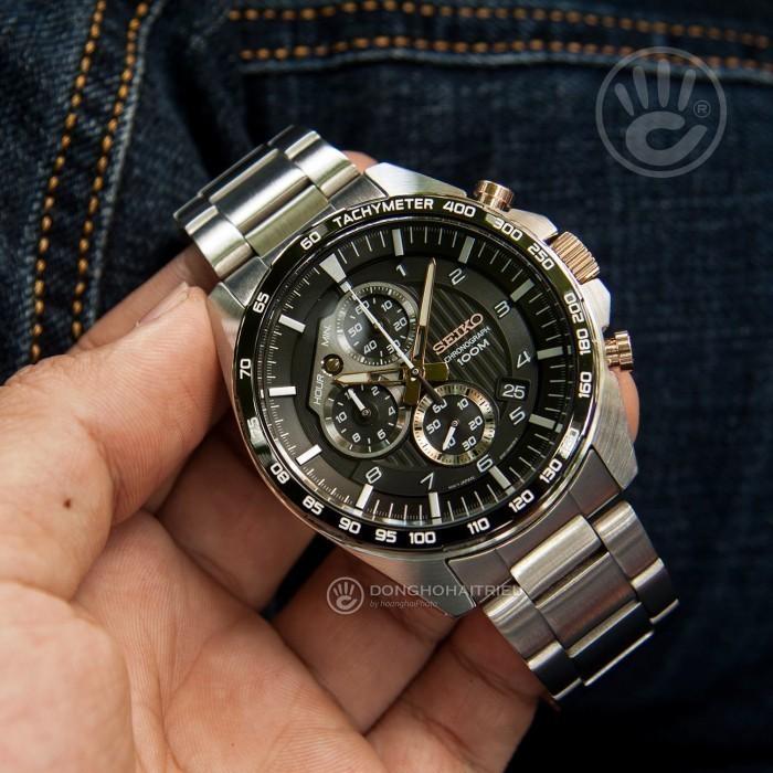 Đồng hồ Seiko SSB323P1, Chronograph 4