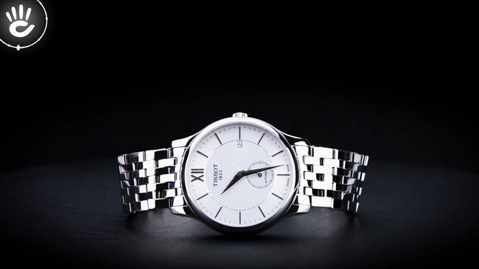 Đồng hồ Tissot T063.428.11.038.00: Mặt kính Sapphire bền bỉ-5