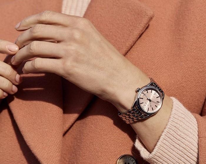 Đồng hồ Citizen FE6080-71X vỏ máy mạ bạc vô cùng sang trọng - Ảnh 2