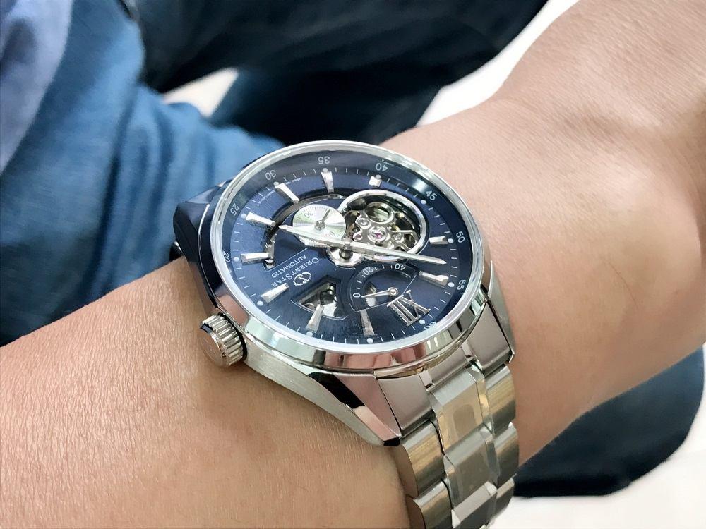 Cận cảnh chiếc đồng hồ mặt xanh Orient RA-EL0002L00B được yêu thích nhất - Ảnh 6