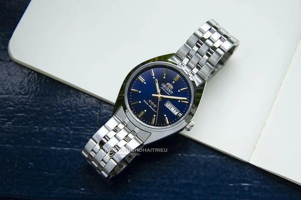 Mẫu đồng hồ 3 sao Orient RA-AB0E08L19B phiên bản mặt số xanh vô cùng thời trang - Ảnh 21