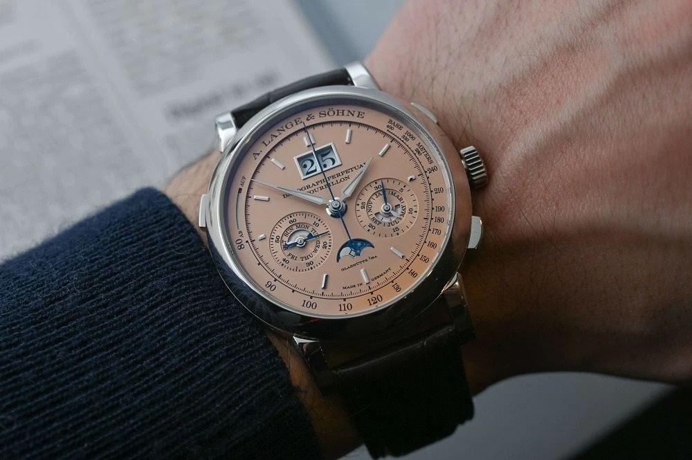 Bảng xếp hạng đồng hồ Thụy Sỹ theo giá bán trung bình trên thị trường - Ảnh 8