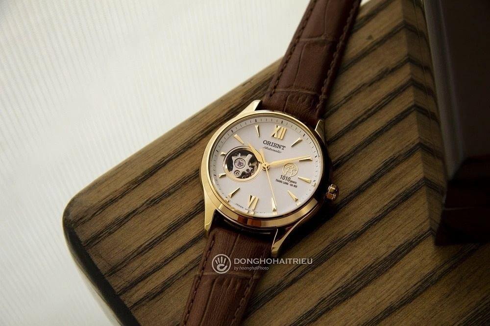 Đồng hồ Orient 1010 được yêu thích bởi nền mặt số có thiết kế Khuê Vân Các - Ảnh 8